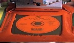 Ecran de sérigraphie sur un disque avec une couleur rouge